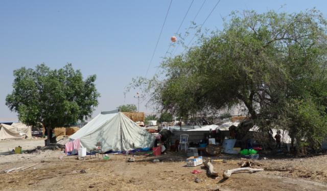 sarah-spiller_-140524_al-jiftlik-abu-al-ajaj_outdoor-emergency-household.jpg